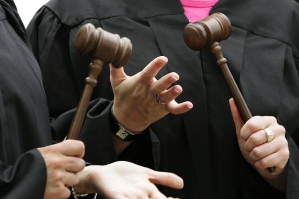 Картинки по запросу судді